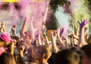 В Никополе прошел самый яркий Holi Fest!)
