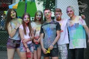 В Черновограде впервые состоялся Holi Fest!