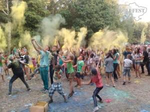 Яркий праздник красок Холи посетил сгт.Чемеровцы!