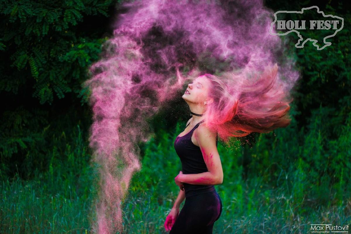 Яркая фотосессия с красками Холи!