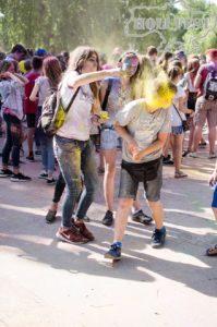 Взрывной, цветной холи фест прошел в Тернополе!