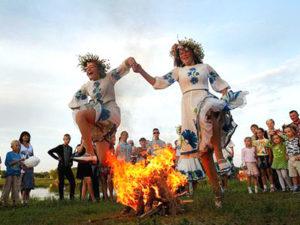 Праздник Ивана Купала вместе с воспалительным Holi Fest!